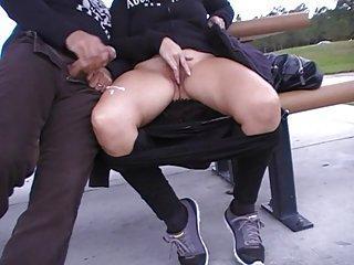 Spontaniczna masturbacja z nieznajomym