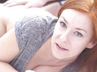 Cudowny seks z rudą mamuśką w pupę